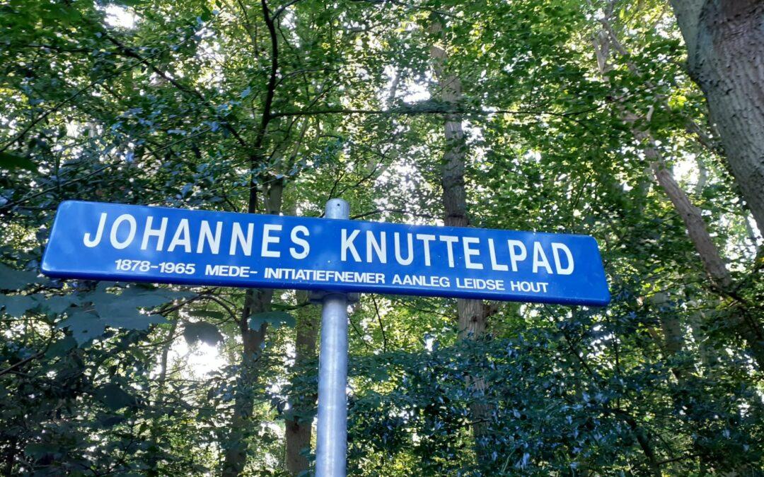 Het Joannis Knuttelpad heeft zijn naambord terug